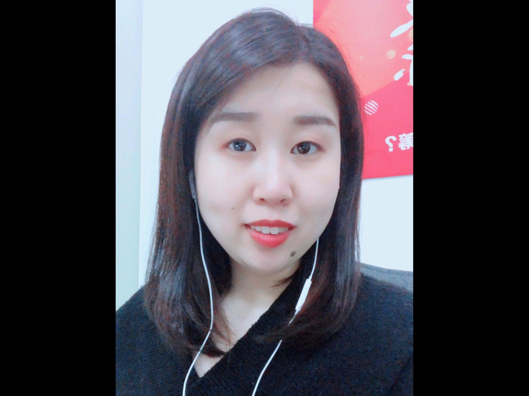 贾奕婕照片2
